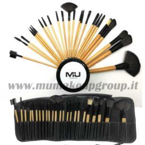 set 24 pennelli professionali in legno con portapennelli
