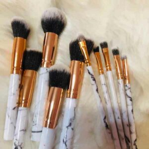 set 10 pennelli make up con manico stile marmo